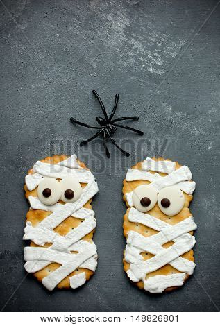 Funny Halloween mummy cookies for treat kids