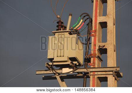 Electric line transformer