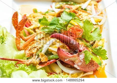 Lobster stir fried with spice curry