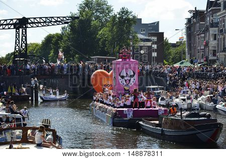 The Postnl Boat