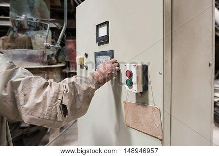 Brickworks. Master controls machine from remote panel