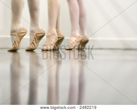 Ballet Dance - The Art Of Stretching Light Version