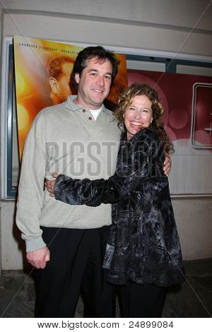 LOS ANGELES - NOV 3:  Nancy Travis arrives at the