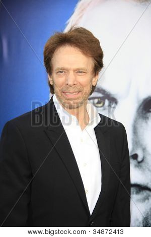 LOS ANGELES - 7 de maio: Jerry Bruckheimer na estréia de 'Dark Shadows' WB fotos Grauman c