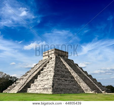 Travel Mexico background - Anicent Maya mayan pyramid El Castillo (Kukulkan) in Chichen-Itza, Mexico