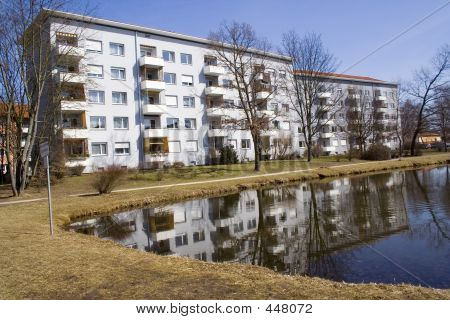 Apartment Near Lagoon