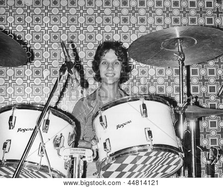 LONDON - AUGUST 20: Steve Bray, drummer with British power pop group The Boyfriends, performs live on stage on August 20, 1978 in London. The band were signed to United Artists Records.