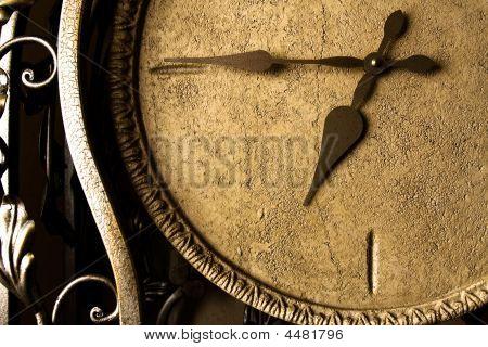 Retro-styled Clock-face