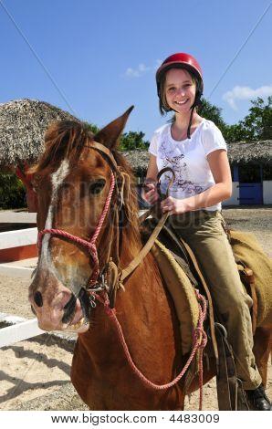 Menina a cavalo cavalo
