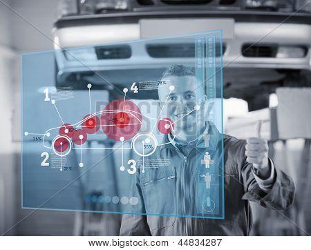 Retrato de sorrindo mecânicos polegares acima com interface futurista com diagrama de cr e estatísticas em bla