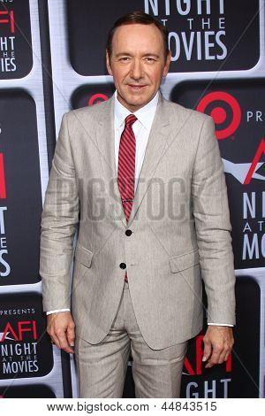 LOS ANGELES - 24 de abril: Kevin Spacey chega à noite em 2013 filmes no ArcLight Holl AFI