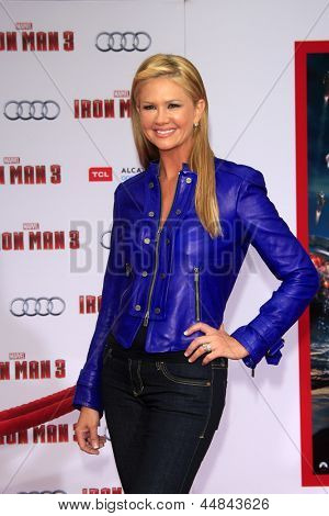 "LOS ANGELES - APR 24:  Nancy O'Dell arrives at the ""Iron Man 3"" LA premiere at the El Capitan Theater on April 24, 2013 in Los Angeles, CA"