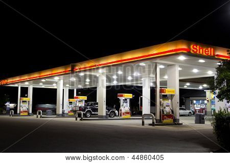 JACKSONVILLE, FL-APRIL 7: Shell gas station on April 7, 2012 in Jacksonville, Florida. According to Forbes, Royal Dutch Shell oil company is the 5th largest company worldwide.