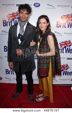 LOS ANGELES - APR 23:  Darwin Shaw, Samantha Whittaker arrives at the 7th BritWeek Festival