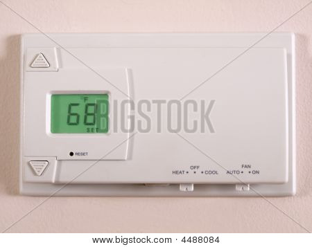 Thermostat 68 F