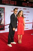 LOS ANGELES - 24 APR: Robert Downey Jr., Susan Downey kommt bei der