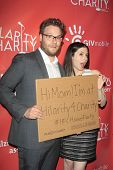 LOS ANGELES - APR 25:  Seth Rogen, Lauren Miller arrives at the Second Annual Hilarity For Charity b