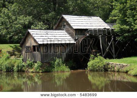 Blue Ridge Parkway - Mabry Mill