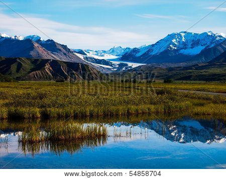 Snow capped mountains of Gulkana Glacier