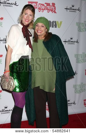 LOS ANGELES - DEC 1:  Cristina Cacciotti, Valerie Harper at the 2013 Hollywood Christmas Parade at Hollywood & Highland on December 1, 2013 in Los Angeles, CA