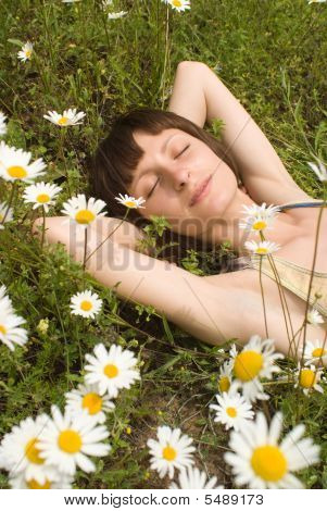 The Portrait  Of Girl In The Middle Of Flower