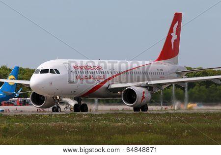 Air Arabia Airbus A320-214 aircraft