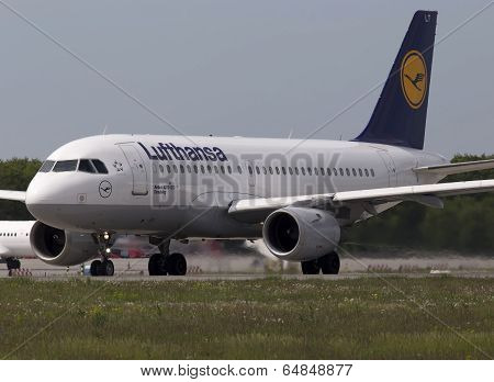 Lufthansa Airbus A319-100 aircraft preparing for take-off from the runway