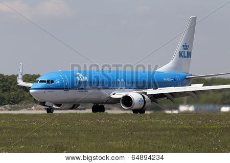 Landing KLM Royal Dutch Airlines Boeing 737-800 aircraft