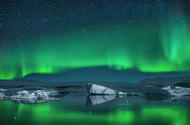 pic of light-pole  - Northern Lights over the Jokulsarlon Glacier Lagoon in Southern Iceland - JPG