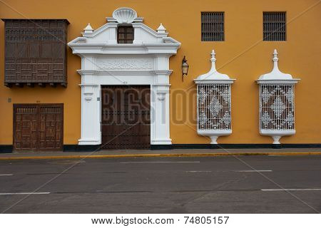 Colourful Plaza de Armas in Peru