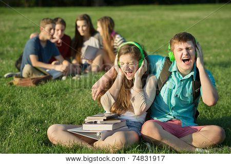 Happy Friends Singing
