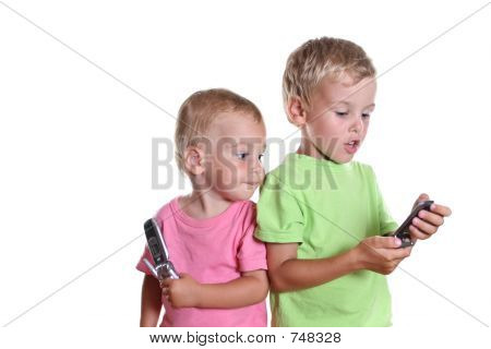 children with phones
