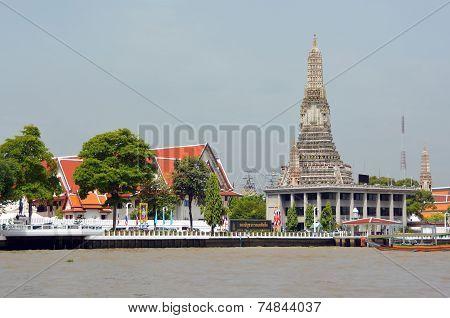 Wat Arun Temple Of Dawn On Banks Of Chao Phraya.