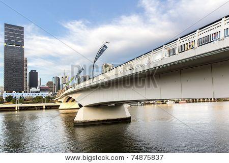 Brisbane cityscape with Victoria bridge
