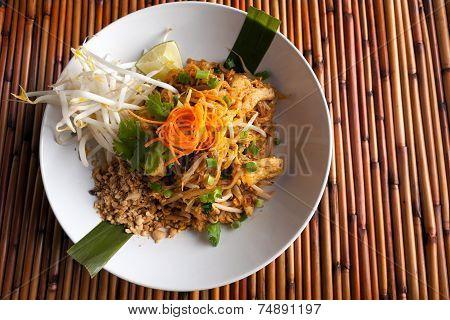 Chicken Pad Thai Plate