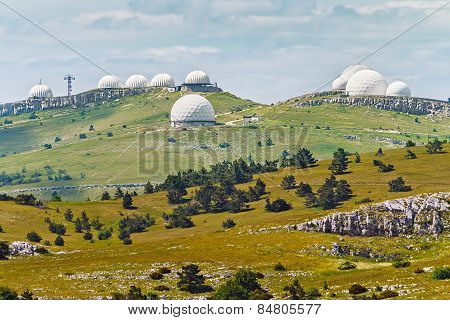 Crimean Observatory On The Plateau Of Mountain Ai-petri