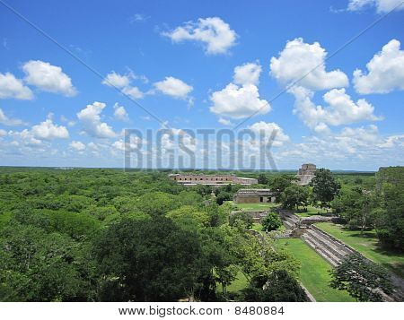Pyramid Of The Magician,uxmal mexico