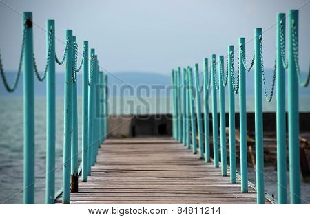 Safety fence of a lake pier