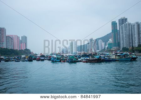 Hong Kong-march 12: Traditional Fishing Trawler In The Aberdeen Bay. Famous Floating Village