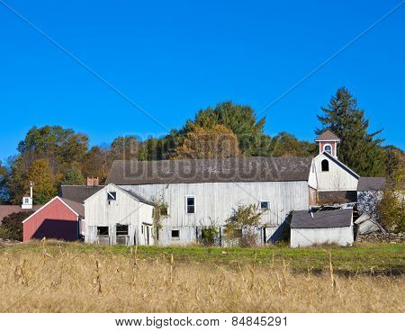 Deserted old traditional farm building in rural USA