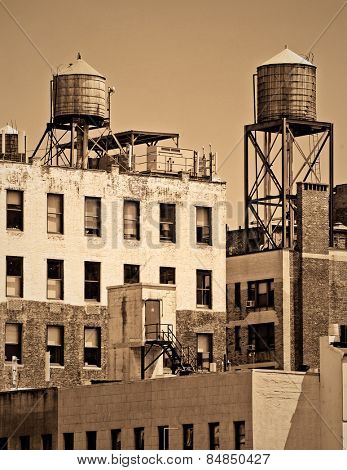 Apartments with water towers in New York City