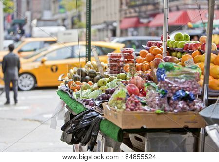 Fresh fruit stall on the streets of New York