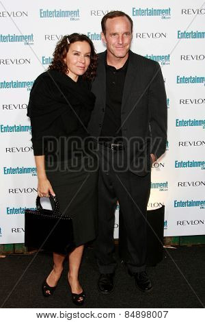 BEVERLY HILLS - SEP 20: Clark Gregg, Jennifer Grey at the 6th Annual Entertainment Weekly Pre-EMMY party  on September 20, 2008 in Beverly Hills, California