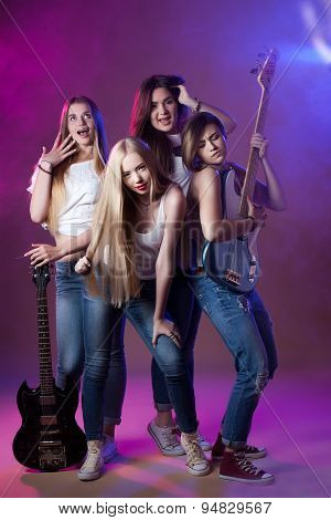music female artist, 4 beautiful girls, style, jeans, youth