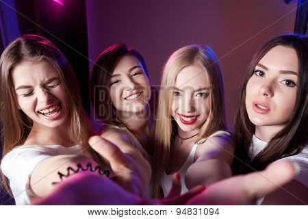 four girls make self,  photographed themselves