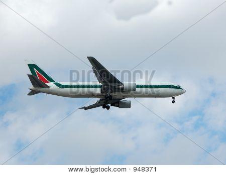 Boeing 767 Passenger Jet