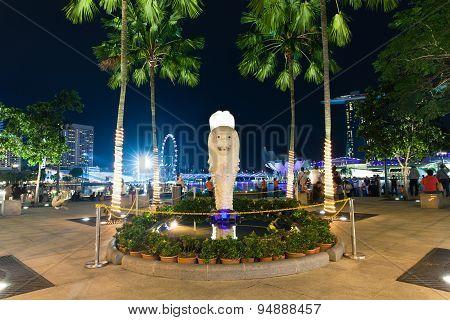 Merlion Park promenade at night