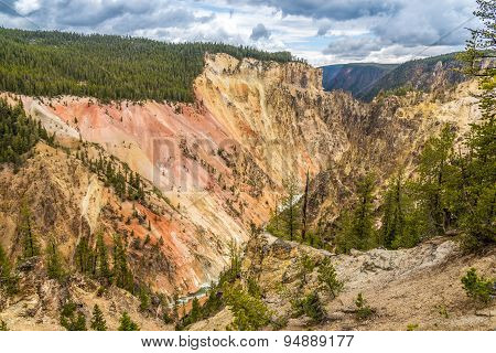 Yellowstone Canyon With River