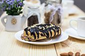 picture of eclairs  - Chocolate cake  - JPG