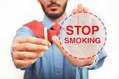 Постер, плакат: Men Quit Smoking Sign
